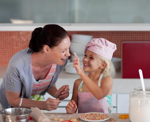 сынок накозал маму за не сготовленный обед с фото