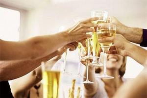 Скоро «Новый год». Как провести корпоратив, который оценят коллеги? Как выбрать подходящий банкетный зал.