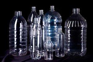 """В компании """"ПивНов"""" Вы можете купить ПЭТ-бутылки оптом и в розницу"""