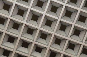 Грильято потолок - бюджетное решение для жилых и коммерческих помещений!