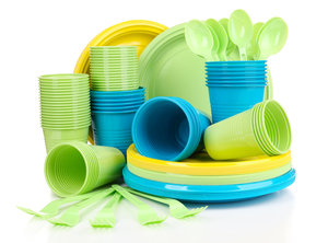 Пластиковая посуда оптом в Череповце.