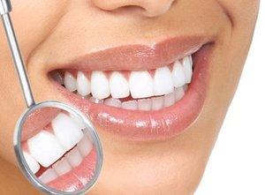 Способен ли чай окрасить зубы?