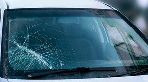 Трещина на стекле автомобиля? Обращайтесь к нам!