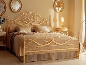 Кованая кровать – предмет мебели или произведение искусства?
