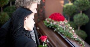 Мы готовы оказать помощь в организации похорон человека!