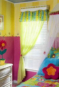 Декор окна в детской