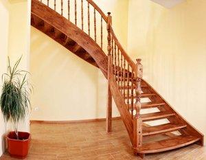 Деревянная тетива для лестницы от производителя