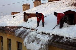 Уберём снег с крыши в Вологде