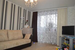 Продаю двухкомнатную квартиру в пятом микрорайоне на улице Конева