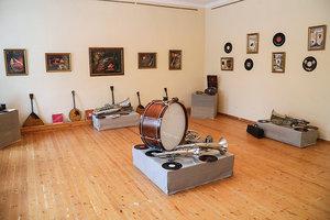 Две выставки в Крапивне