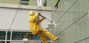 Мытье фасадов от любых загрязнений. Качественное обслуживание в кратчайшие сроки!