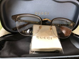 Поступление брендовых очков для зрения и солнцезащитных очков