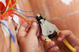 Профессиональный монтаж электропроводки в Туле