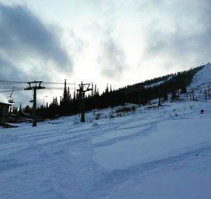 Шерегешская особенность - снег раскатывают с самого утра