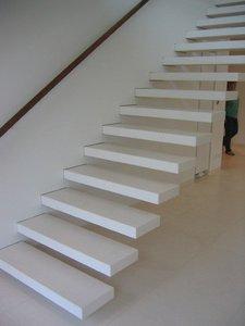 Консольные лестницы, лестницы на косоуре