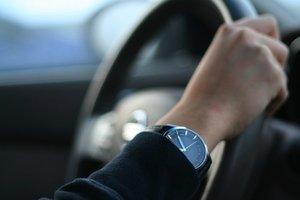 Инструктор по вождению в автошколе
