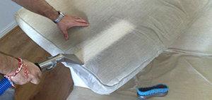 Зачем нужно делать химчистку мягкой мебели и ковров?