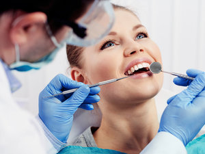 Прием стоматолога. Запишитесь онлайн!