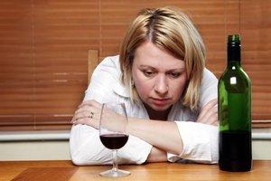 Профессиональная помощь в лечении алкоголизма у женщин