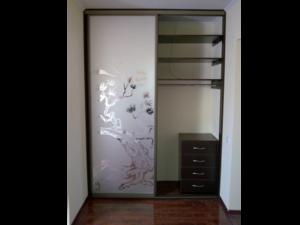 Встроенный шкаф – помощник любой хозяйки