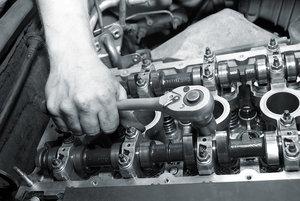 Профессиональный ремонт двигателя авто в Автосервисе У Жени