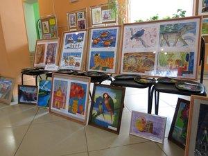 Организация выставок детских художественных работ