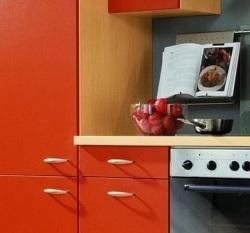 Кухня с пластиковыми фасадами на заказ – функционально, недорого!