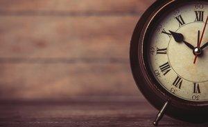 Большой ассортимент настольных часов известных брендов в Орске