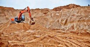 Покупать песок карьерный у нас выгодно и удобно