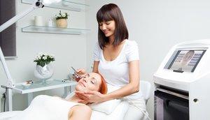 Прием врача косметолога