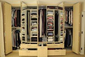 Встроенная мебель в Кемерово: какие бывают шкафы-купе?