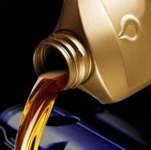 Магазин «Движок» в Кемерово советует приобретать только качественные моторные масла.