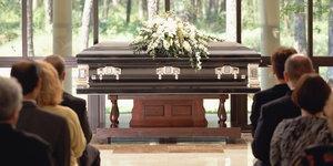 Поможем организовать достойные похороны человека
