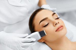 Профессиональная чистка — первый шаг к здоровью кожи
