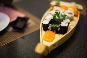 Бесплатная доставка суши и роллов в Красноярске