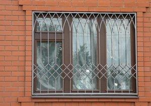 Решетки на окна для жилых и торговых зданий на заказ