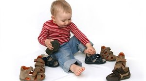 Большой выбор обуви для детей в Череповце
