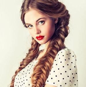 Весь февраль салон «EVA» дарит красоту! Акция на окрашивание бровей, плетение волос в косы