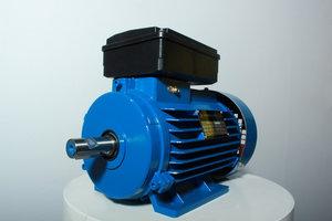 Купить рабочий двигатель электрический в Череповце