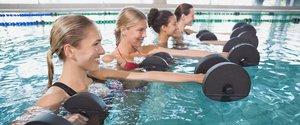Какую пользу приносят занятия по аквааэробике?