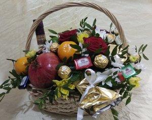 Подарочные корзины, фруктовые букеты в Череповце