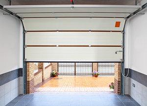 Изготовление и установка гаражных ворот в Оренбурге