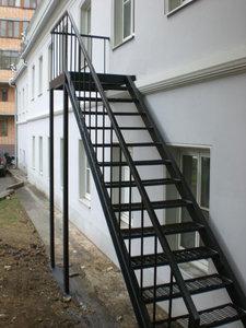 Изготовление металлических лестниц, перил в Орске