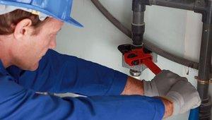 Бурение скважин и подключение внутреннего водопровода