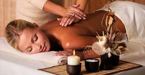 Окунитесь в неповторимую атмосферу спокойствия с нашим расслабляющим массажем!