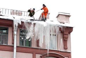 Сколько стоит почистить снег с крыши?