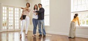 Хотите купить квартиру с помощью агентства? Звоните!