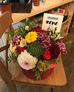 Цветы в шляпной коробке в Орске