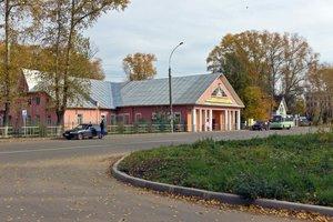 Почему район поселка льнокомбината не застроили «сталинками»?