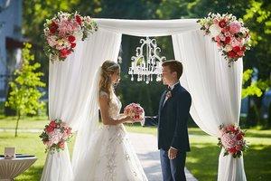 Организовать выездную свадебную регистрацию в Череповце